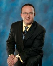 Matthew Gall, MD headshot-1