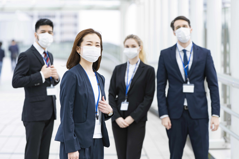 Employees-wearing-masks